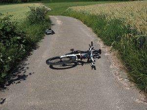 Bent u door een motorvoertuig aangereden op de fiets? Dan loopt u vrijwel altijd letsel op en schade aan uw fiets.