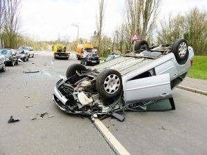Een auto-ongeluk met letsel kan heel veel schade veroorzaken, zowel lichamelijk, psychisch als materieel.